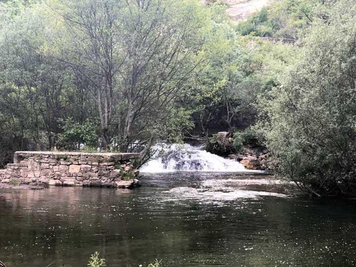 Pónton de la Oliva Cascadas